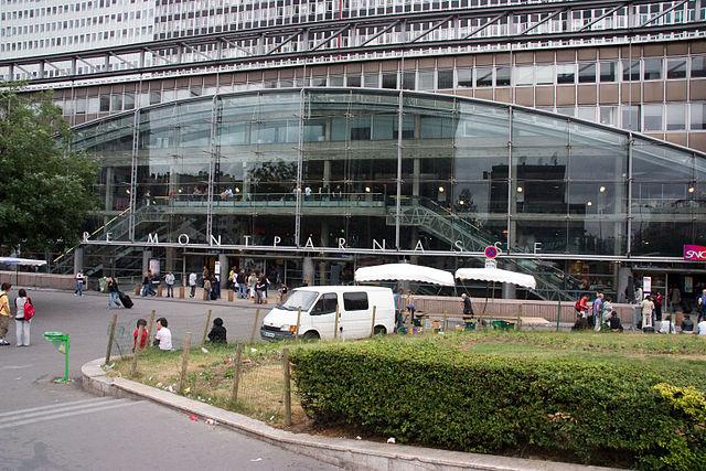 taxi-moto-gare-montparnasse-paris